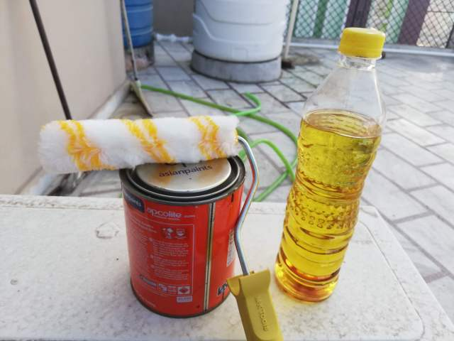 Painting Your Pallet Sofa